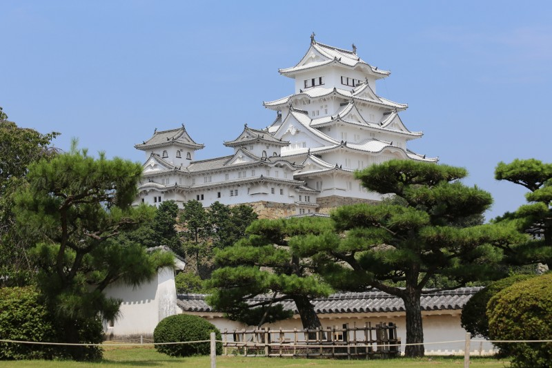 Himeji_Castle_Keep_Tower_after_restoration_2014